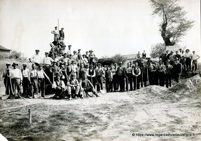 Photo ancienne : Union de Coopératives pour Travaux Publics.