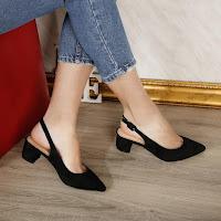 Pantofi de zi decupati negre de vara