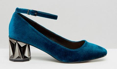 883b2c1042 Hoy he querido traer un zapato sencillo que destaca por el material que  está hecho  el terciopelo