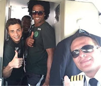 Jogadores da Chapecoense na cabine do piloto da LaMia