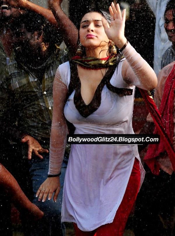 actress boobs exposed