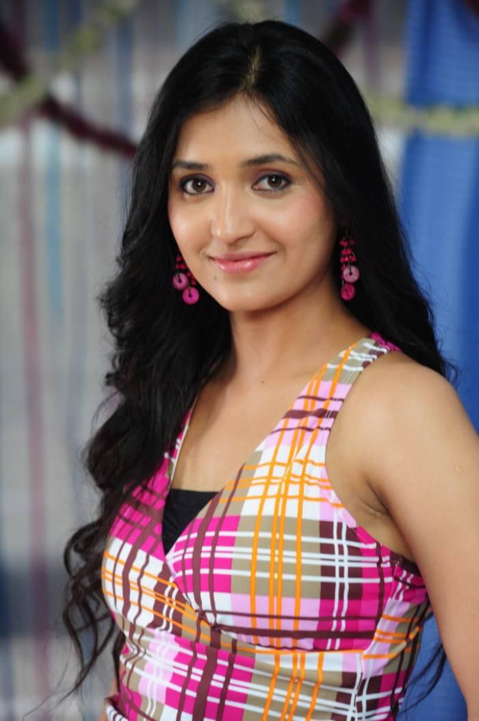 Telugu TV Anchor SARAYU stills
