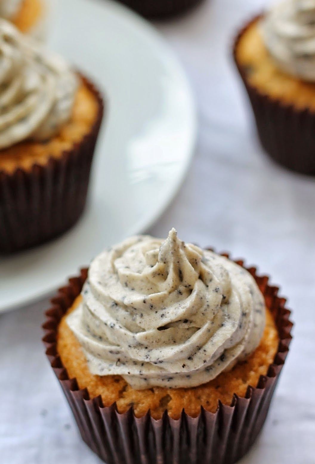 Very easy to make and even easier to eat, Oreo cupcakes. The perfect treat for the whole family. Goodfoodshared.blogspot.com