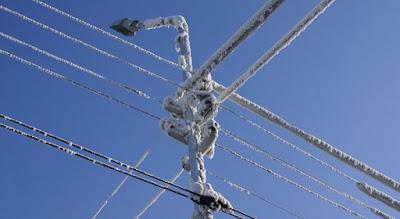 в Свердловской области прогнозируется сильное налипание мокрого снега на провода