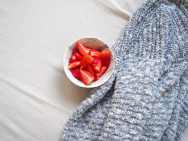 sveter jahody marble mramorová miska
