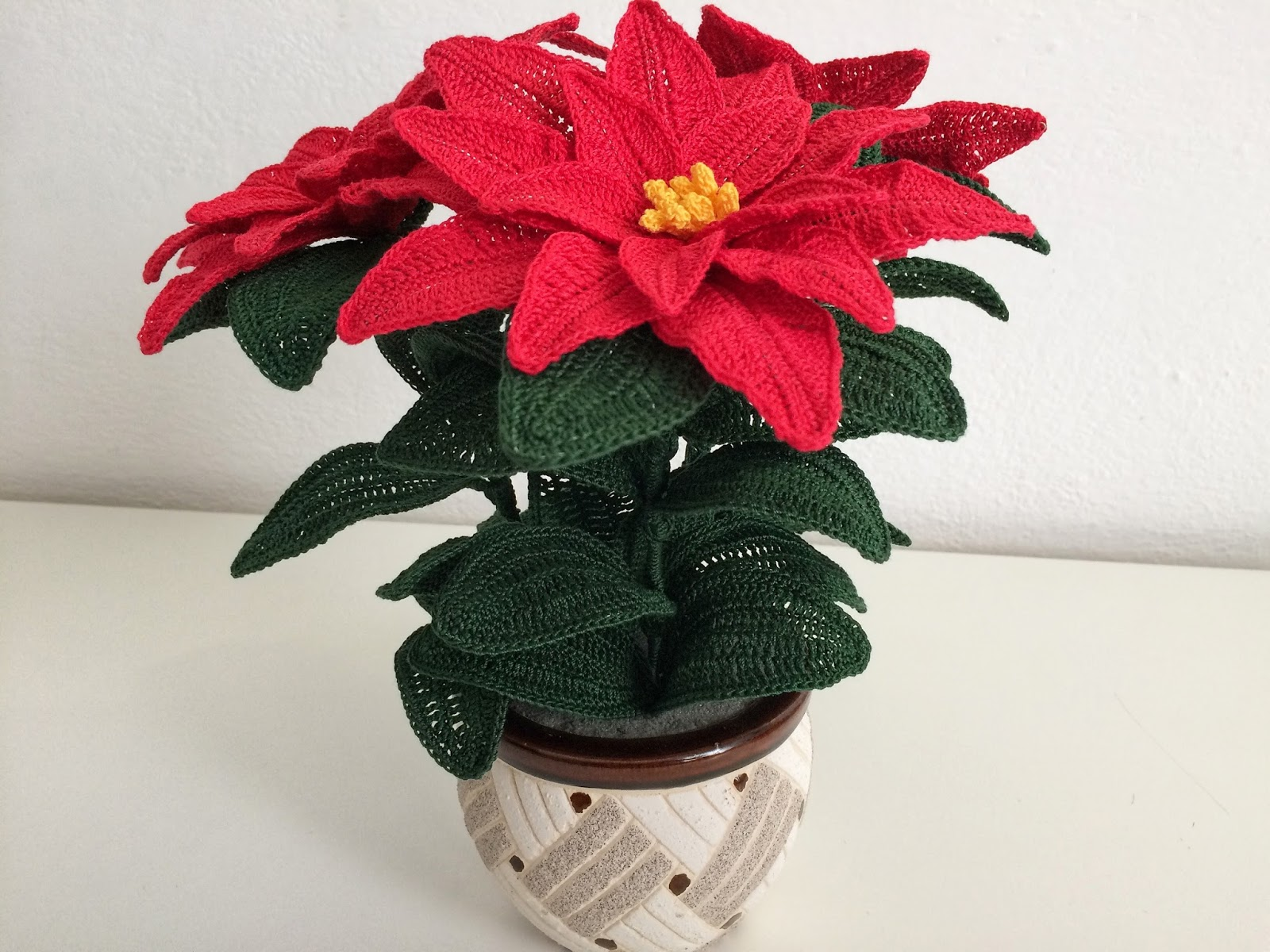 Il Blog Di Sam How To Crochet A Poinsettia