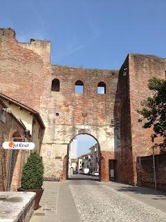 The gate into Castelfranco Veneto at Via Francesco Maria Preti