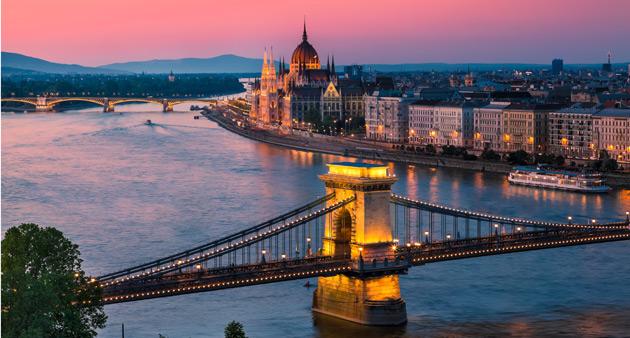 Faça um passeio de barco em Viena