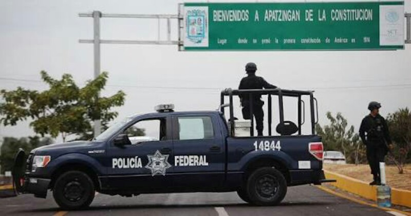 Sicarios lo sacan de su casa para ejecutarlo en Apatzingan, Michoacán