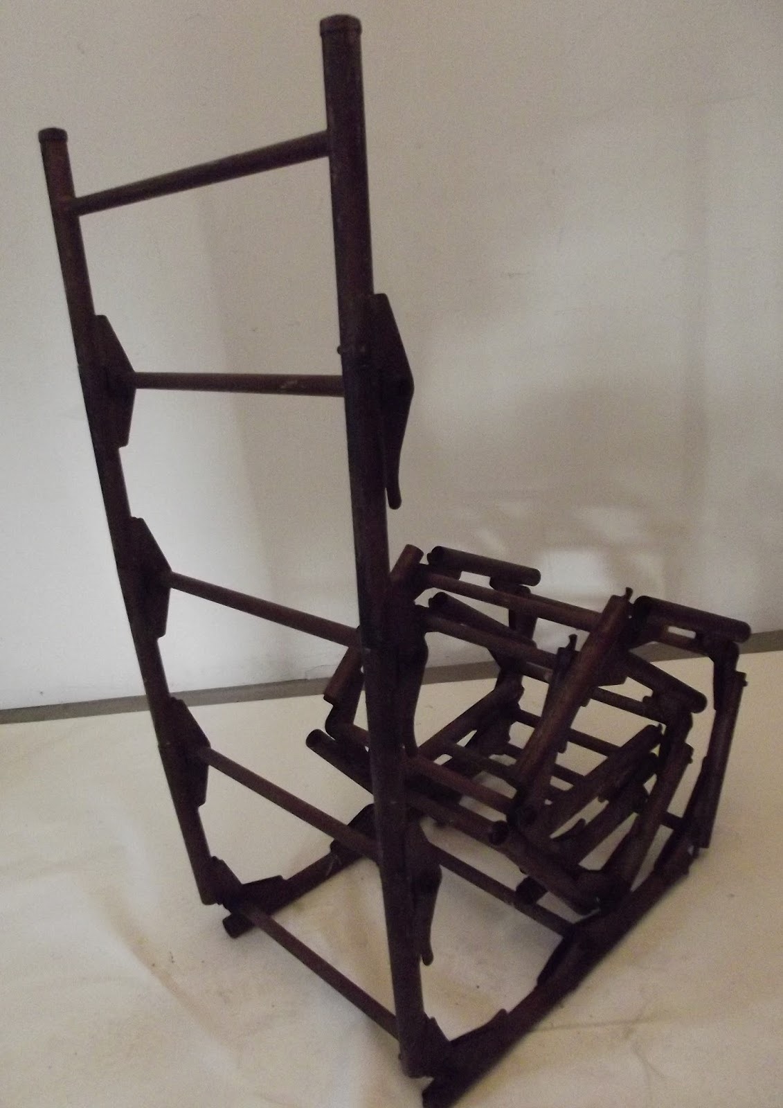 ancienne chelle m tal pliante. Black Bedroom Furniture Sets. Home Design Ideas