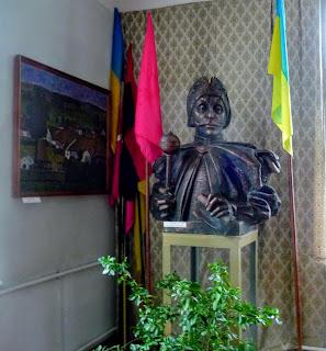 Руда. Музей Ивана Выговского. Бюст гетмана