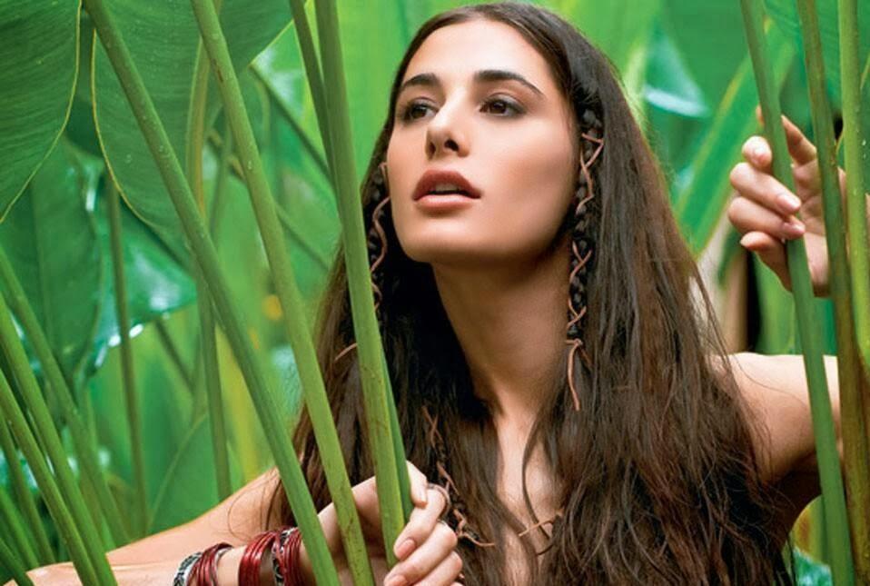Celebrities Hd Wallpaper Download Nargis Fakhri Hd: ALL STAR HD WALLPAPERS DOWNLOAD: Nargis Fakhri HD Wallpapers