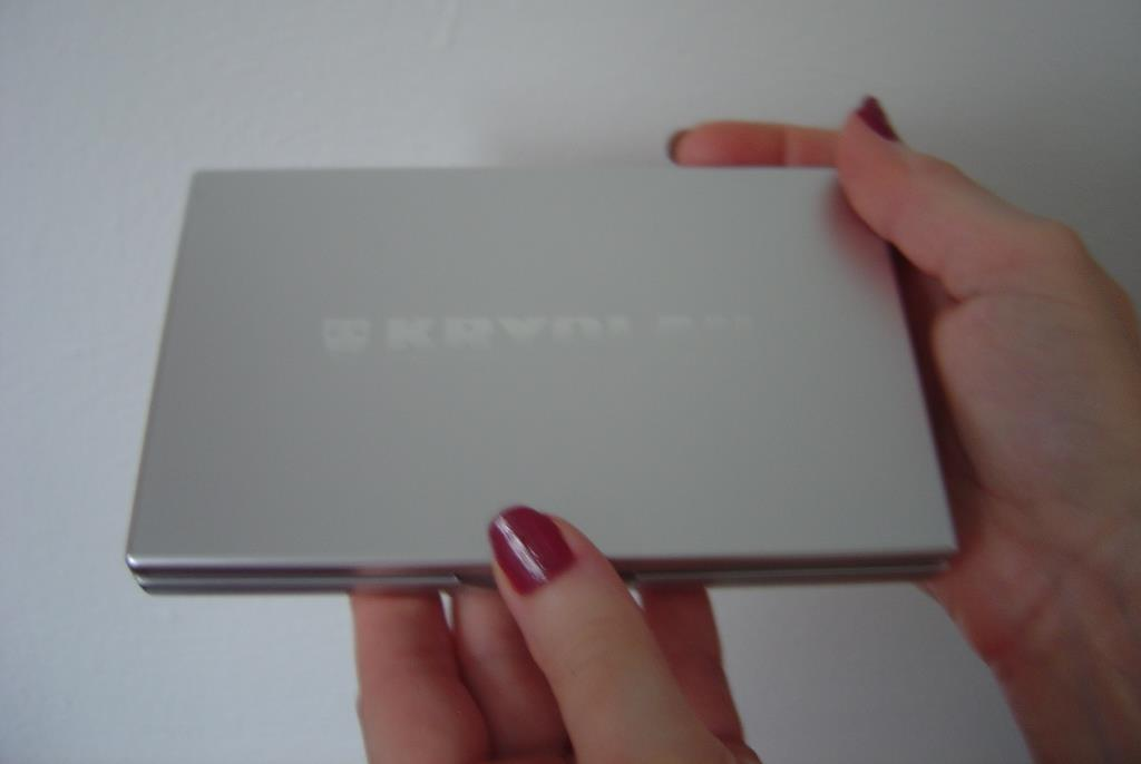Kryolan Variety V3 Neutral Eye Shadow Compact closed.jpeg