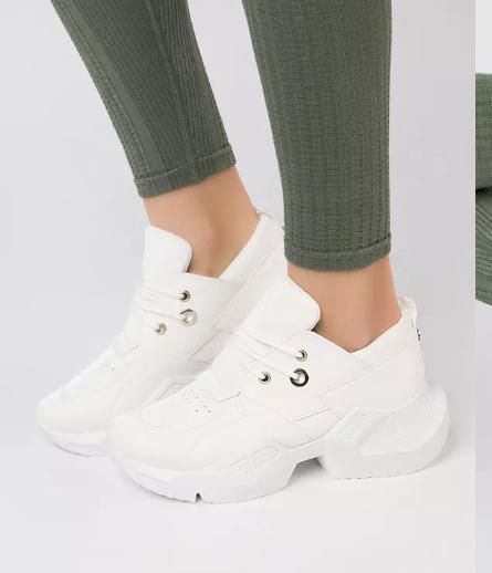 Adidasi femei albi moderni cu talpa masiva la moda de primavara