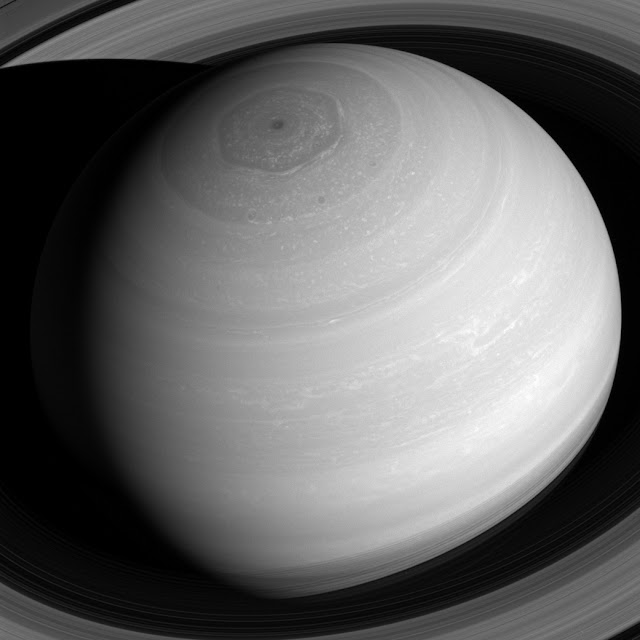 saturn-amazing-image-from-above-nasa