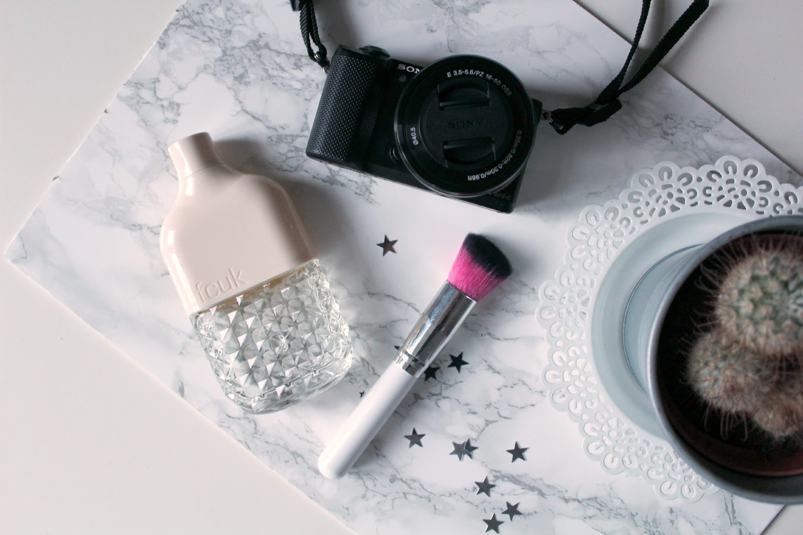 blogger tips and tricks how to guide beginners photography tips flatlays editors tools