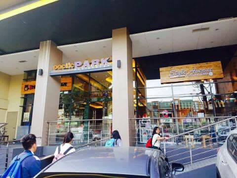 Style avenue fashion cafe is one of the largest boutiques around Fairview  Quezon city. It is the only boutique with a cafe inside around Fairview.