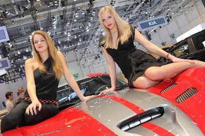 Wanita Cantik Hiasi Geneva Motor Show 2013
