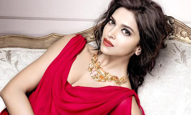 Deepika Padukone Top 10 Looks & Images