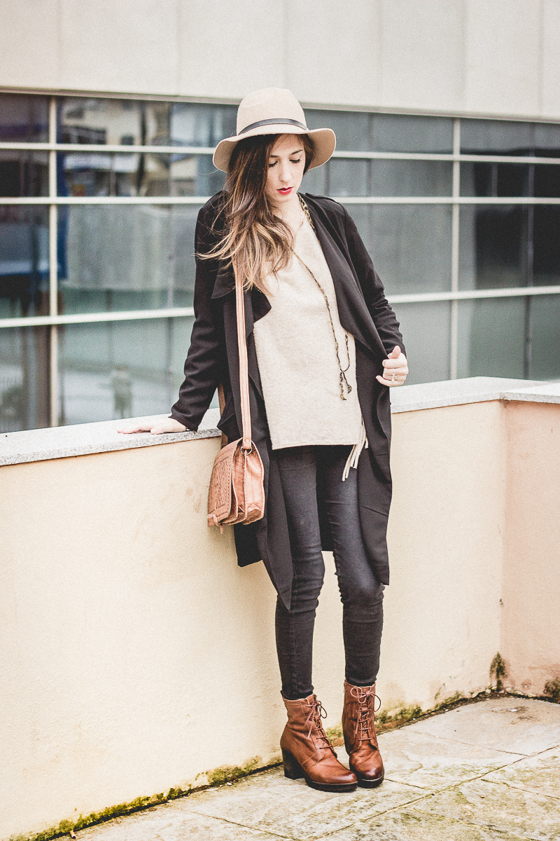 Trench-BlackJeans-Boheme-Look-bohemio-shoesandbasics