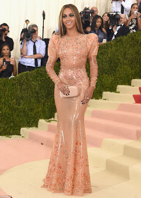 beyonce red carpet met gala 2016