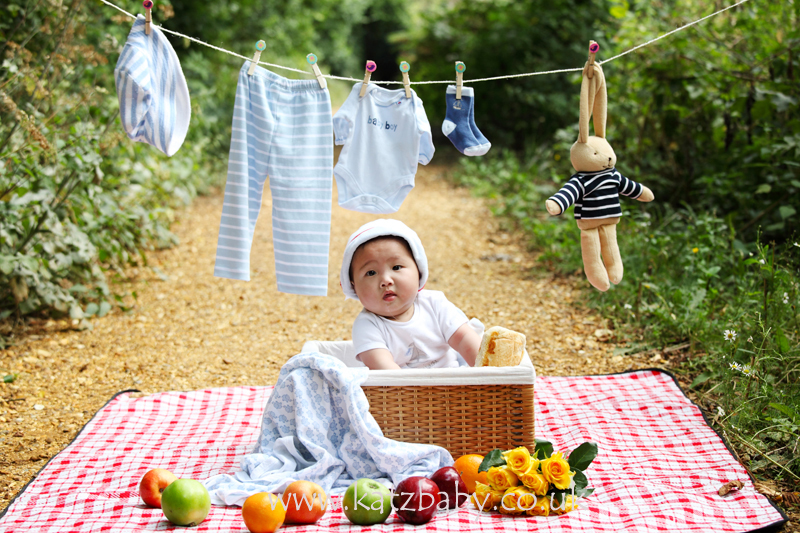 Nathaniel baby outdoor photography prop session so q