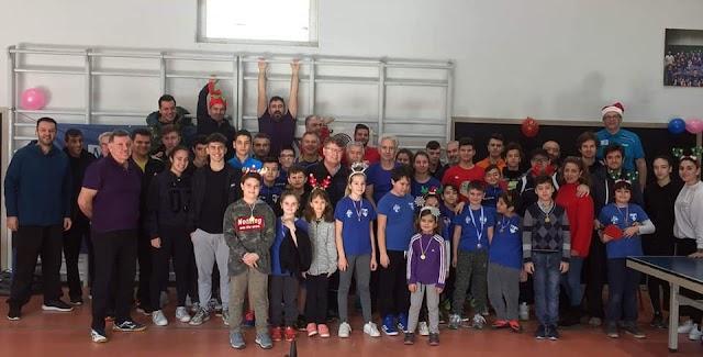 Σε πολύ όμορφο και ζεστό κλίμα πραγματοποιήθηκε το Χριστουγεννιάτικο τουρνουά που διοργάνωσαν οι ομάδες  Εθνικός και Φάρος