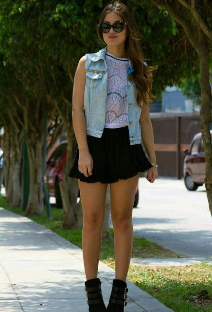 faldas cortas con botas largas