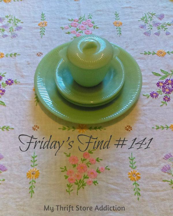 Friday's Find #141 mythriftstoreaddiction.blogspot.com Vintage jadeite scored half price at an estate  sale!