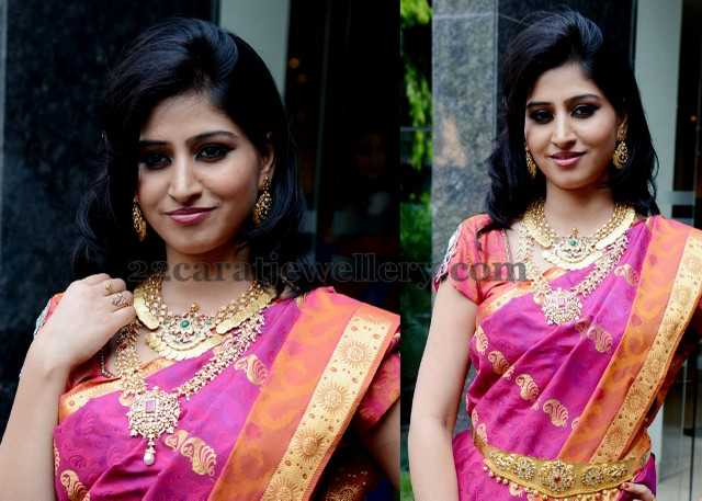 Shamili in Guttapusalu Necklace