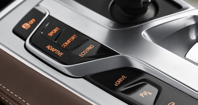 BMW 740Le xDrive mode buttons