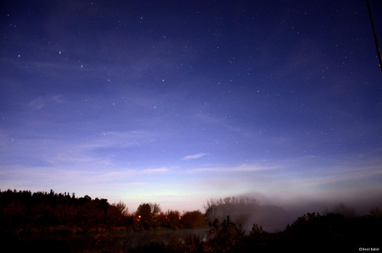 Subtelna zorza polarna sfotografowana 13.10.2016. Nowogród, podlaskie. Autor: Karol Babiel