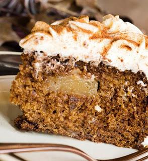 reteta usoara de tort simplu cu mere si frisca