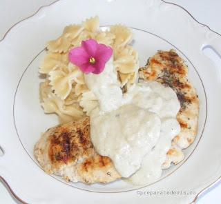 Paste cu pui si sos gorgonzola retete culinare,