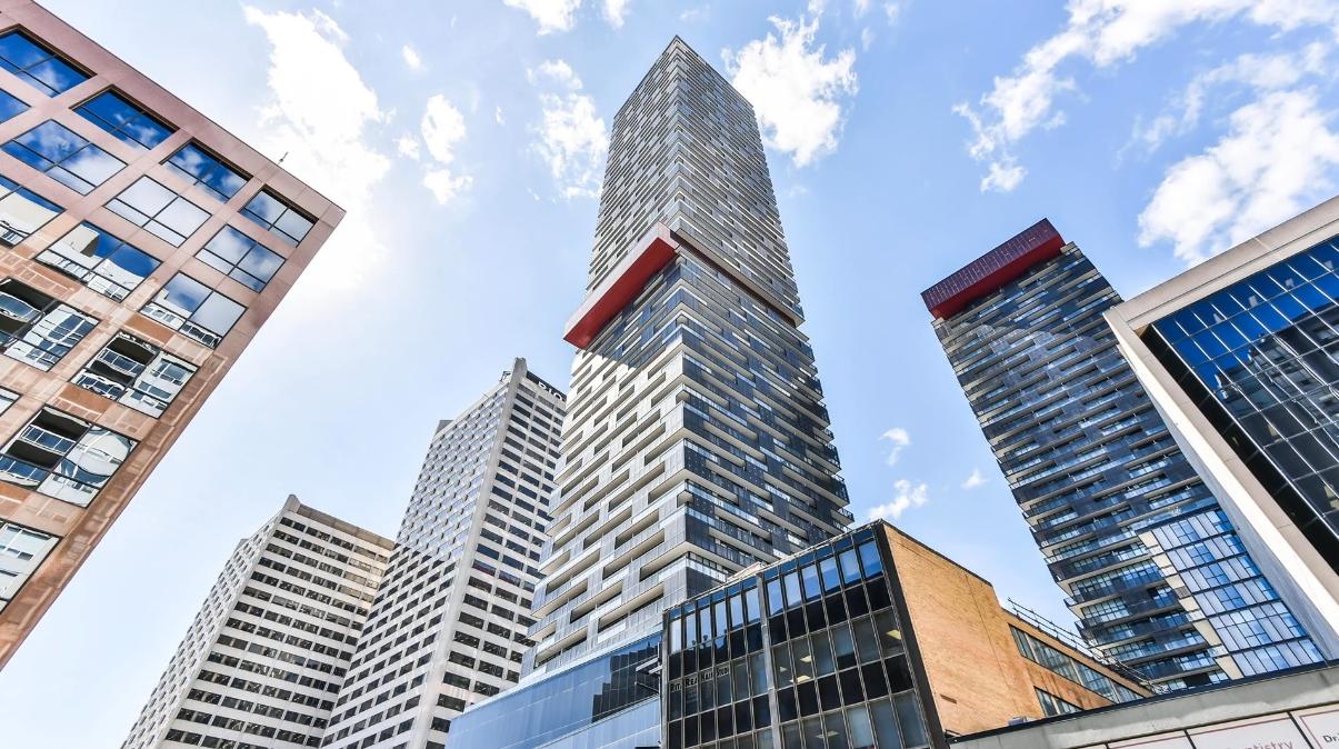 13 Photos vs. 8 Eglinton Ave E #4705, Toronto Condo Interior Design Tour