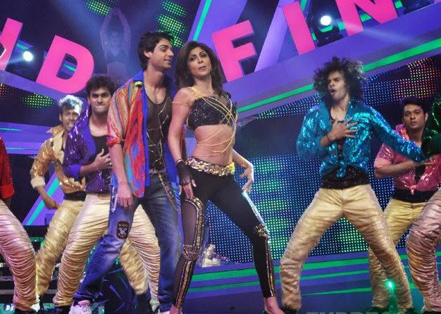Karan Wahi and Shilpa Shetty Kundra performing on Nach Baliye finale night