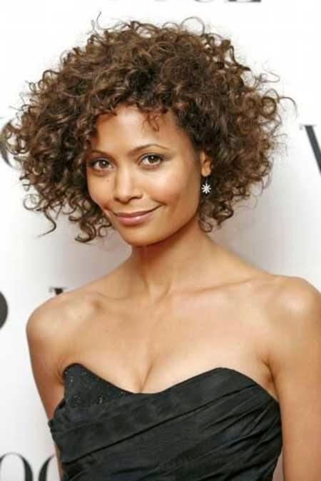 New Kapsels en haarverzorging: Mooie korte kapsels voor black hair  @UO32