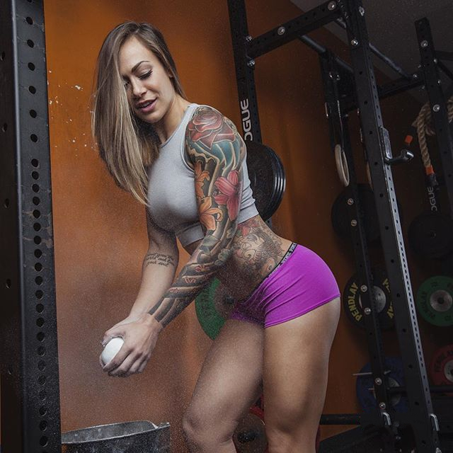 Fitness Nikki Leonard tattoo