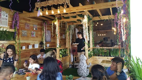 Sit & Zip Garden Cafe; your to go hangout with the barkada