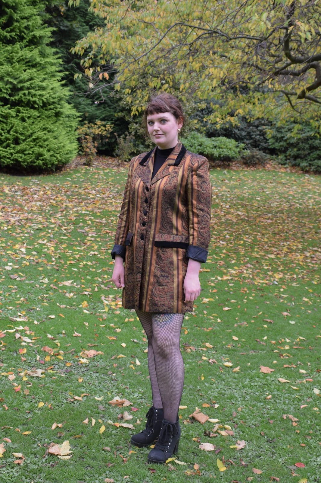 Scottish lifestyle blogger wearing a bronze and black 80s blazer from Rag Trade Vintage