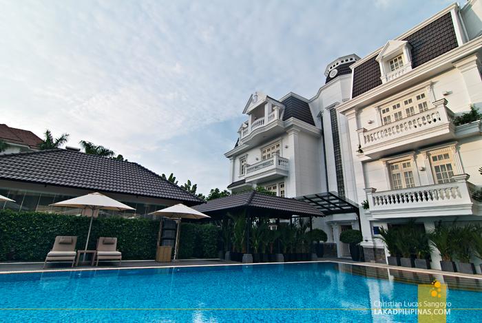 Villa Song Saigon Facade Pool