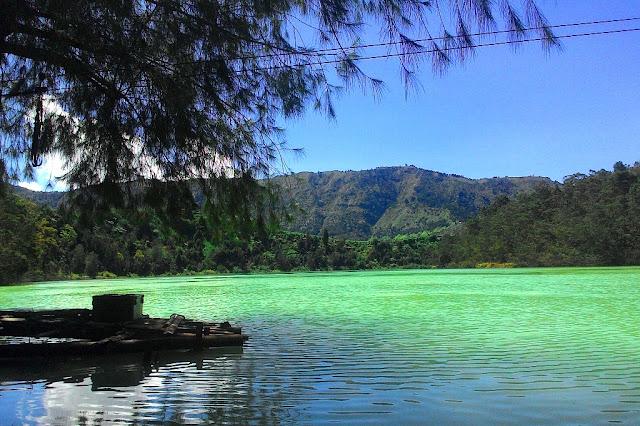 Foto Danau Telogo Warno Dieng Wonosobo Paling Indah