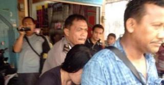 Digerebek, Guru Agama Ditemukan Berduaan dengan Perempuan di Kamar Mandi