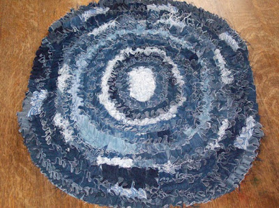 50 Creative and Cool Ways To Reuse Old Denim (50) 22