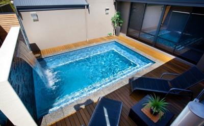 kolam renang minimalis pribadi