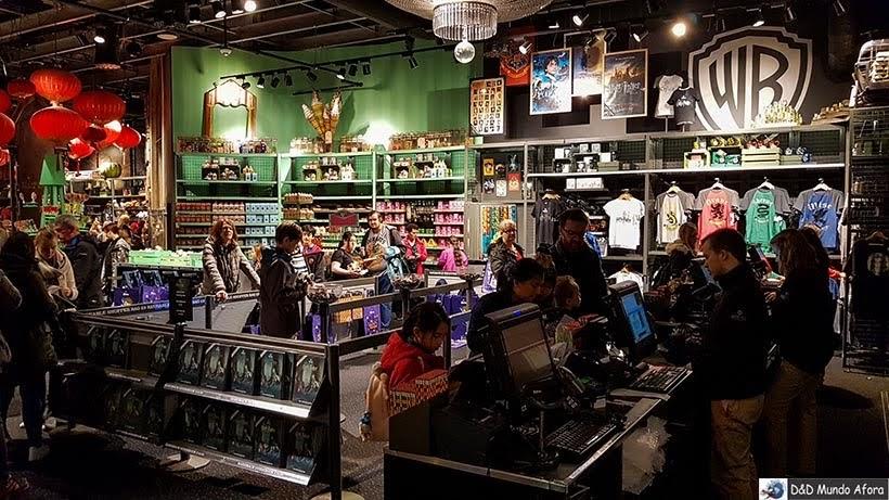 Loja de souvenir na Warner Bros de Londres