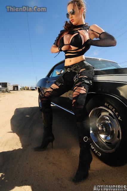 Hot girls Jordan Carver sexy topic Girl and Gun 11
