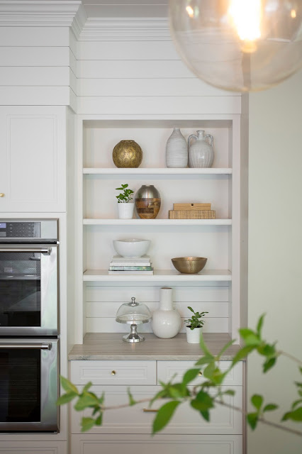 White shapes, white style, bookshelf styling, kitchen shelves