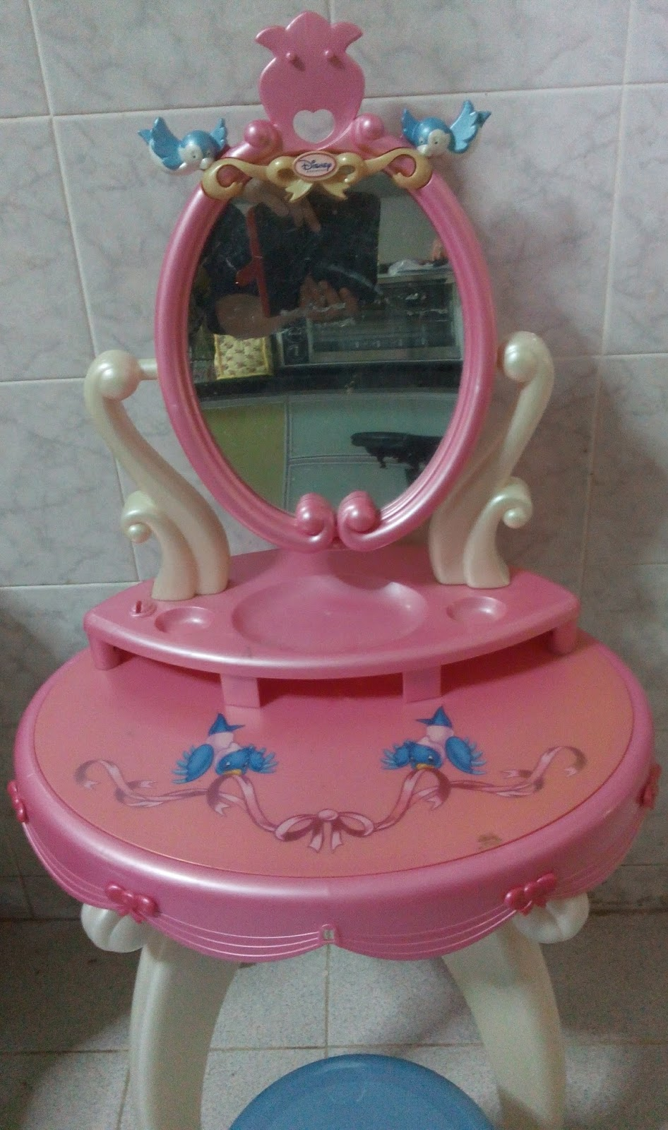 Tenderlovingcare toys disney dressing table with stool used geotapseo Image collections