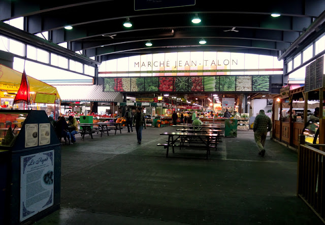 Hunting for Fresh Sweet Corns at the Jean Talon Market (Marche Jean-Talon) in Montreal